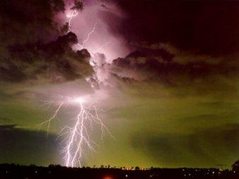"""""""http://www.alertes-meteo.com/orages/orage.jpg"""" irudia ezin da bistaratu, akatsak dituelako."""