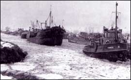 Tankers stuck in ice